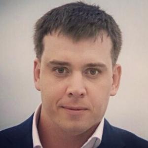 Слесарев Артем Васильевич